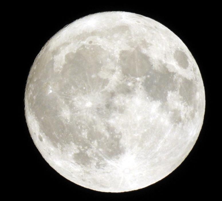 full-moon-2915642_1920